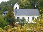 15_Kirche-im-Herbst